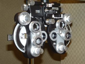 eye-examiner_2285201 eye exam